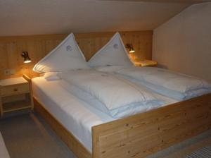 Bedroom [1 doubel/1 single]